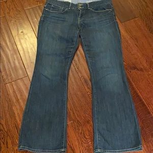 MID RISE BOOT CUT GAP DENIM JEANS (SIZE 6 SHORT!)